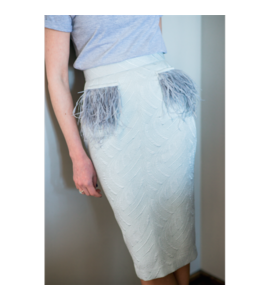 Pencilskirt with feathers