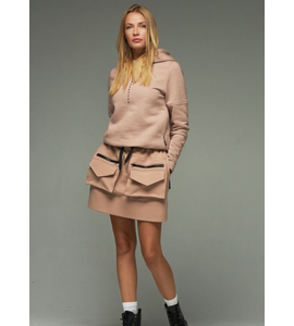 Beige cotton skirt with pockets