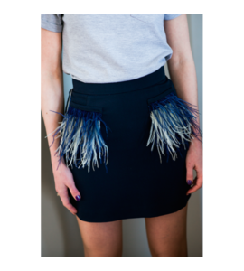 Short skirt with feathers